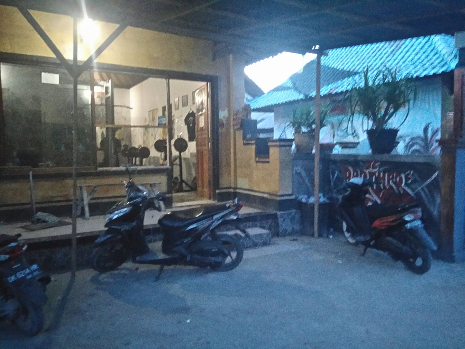 Nusa Lembongan Indonesia Js Brothers Gym